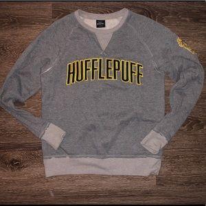 Sweaters - Hufflepuff crewneck universal studios (M)